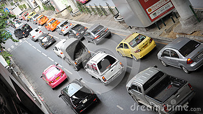 交易在一条繁忙的路在曼谷 编辑类图片