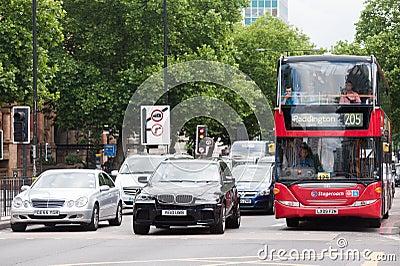 交通在中央伦敦 图库摄影片