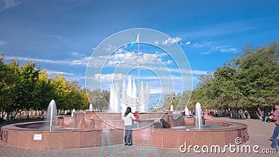 以哈萨克斯坦共和国的第一位总统命名的公园在阿克托比timelapse hyperlapse城市 影视素材