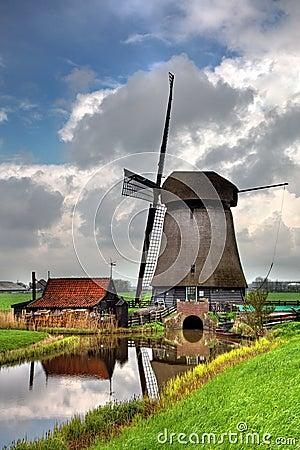 传统荷兰语风车