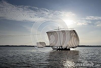 �y�b9il�(�_传统日本siail渔船