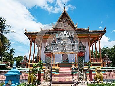 在农村sisophon寺庙附近的佛教柬埔寨.图片