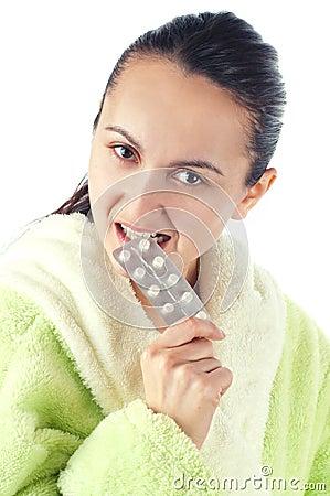 使妇女服麻醉剂