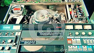 供以人员开始播放一部专业VHS录影机 影视素材