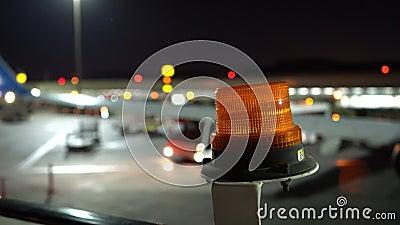 信号信标 引人注意的闪光灯 用于机场停机的照明设备 股票录像
