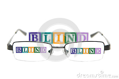 信件通过一副眼镜阻拦拼写窗帘