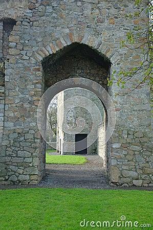 修道院入口