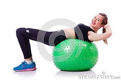 做与球的妇女锻炼