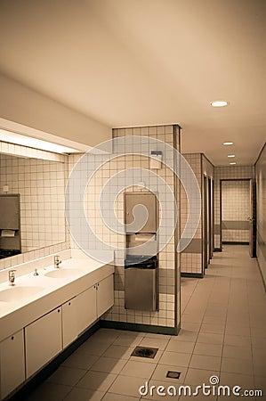 公共厕所图片