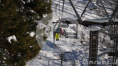 冬天山全景,滑雪吊车 影视素材