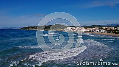 加泰罗尼亚多拉达海岸塔拉戈纳附近的阿尔塔富拉海滩 股票视频