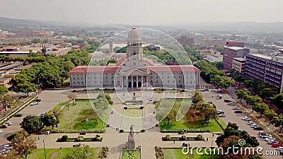 南非比勒陀利亚茨瓦内市政厅的空景 影视素材