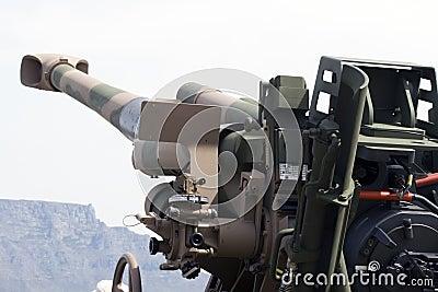非洲大炮�9�e����e�il_155被拖曳的非洲口径大炮防御强制g5短程高射炮mm南部.