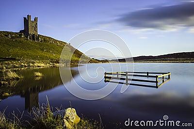 反映和城堡废墟