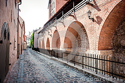 古老设防墙壁