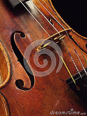 古色古香的小提琴