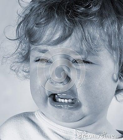 哀伤的婴孩