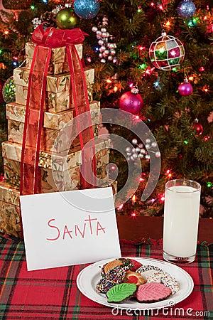 圣诞老人的牛奶和曲奇饼