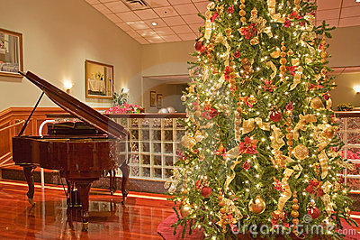 圣诞节钢琴结构树