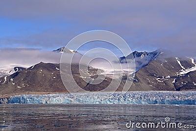 在冰川摩纳哥视图附近