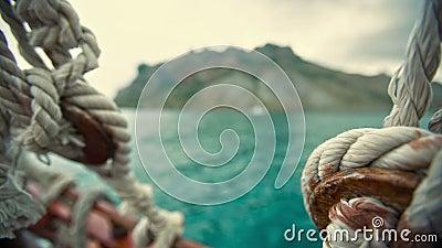 在小船的绳索 影视素材