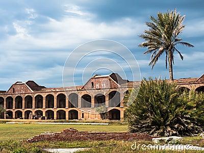 在干燥Tortugas的有历史的堡垒杰斐逊