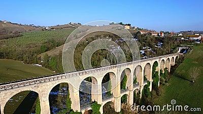 在托伦蒂诺意大利-寄生虫空中录影训练支架-意大利风景 影视素材