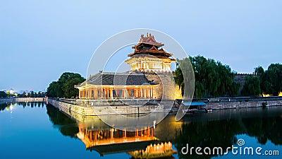 在故宫塔楼,北京,中国的微明