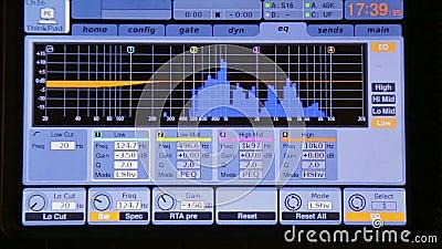 在显示器混音器的调平器在操作时 影视素材