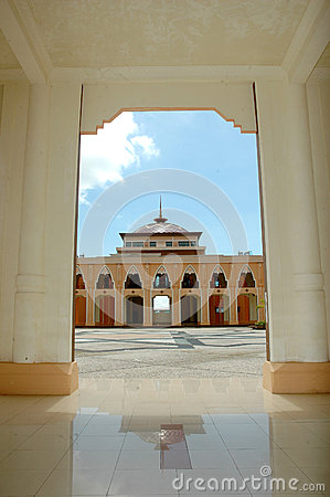 在清真寺Baitul Izzah的一个看法