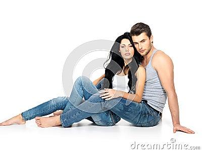在爱的美好的性感的夫妇