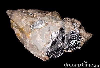 在石英的辉钼矿