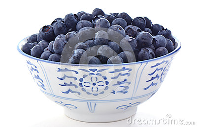 在碗的蓝莓