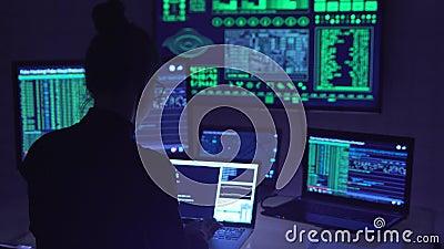 在网际空间的黑客编制程序 股票视频