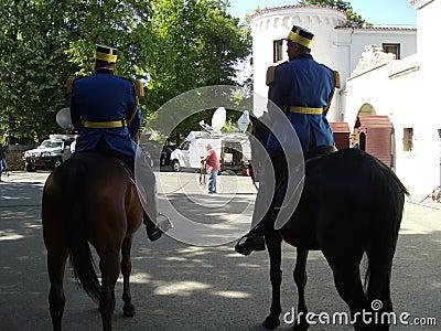 在马背上巡逻 编辑类库存图片