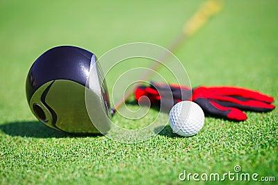 在高尔夫俱乐部的高尔夫球