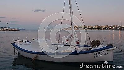 在黄昏的小希腊渔船, Rafina,希腊