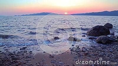 地中海Beuatiful波浪在日落期间的在hisaronu附近, marmaris 股票视频
