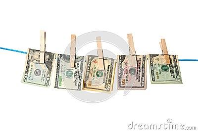 烘干在绳索的美金