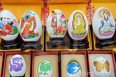 多种文化鸡蛋绘形象化
