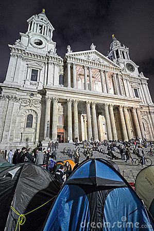 大教堂伦敦保罗抗议者s st 编辑类照片