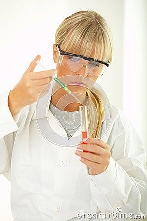 女性实验室