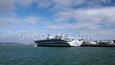 威尔士王子号航空母舰和朴茨茅斯号 股票录像
