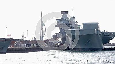 威尔士王子号航空母舰的船头 股票视频