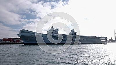威尔士王子号航空母舰背光宽片 股票视频