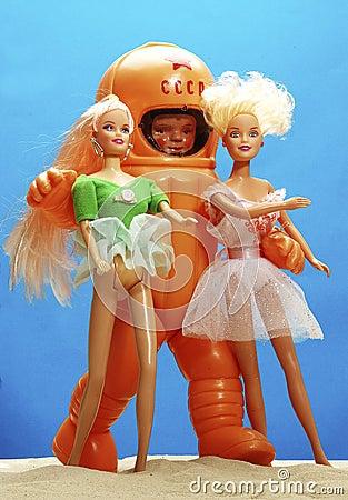 宇航员和芭比娃娃装饰芭比娃娃图片
