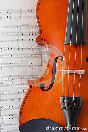 小提琴和笔记
