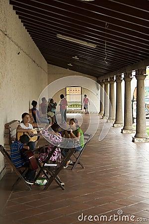 尼加拉瓜吉他的课程 图库摄影片
