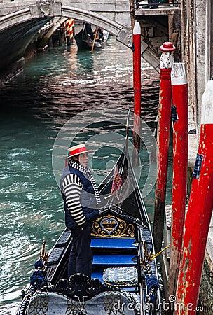 平底船的船夫 编辑类库存照片