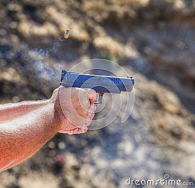 循环的手枪